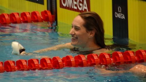 Muffat after winning the Berlin 2012 World Cup 400 free