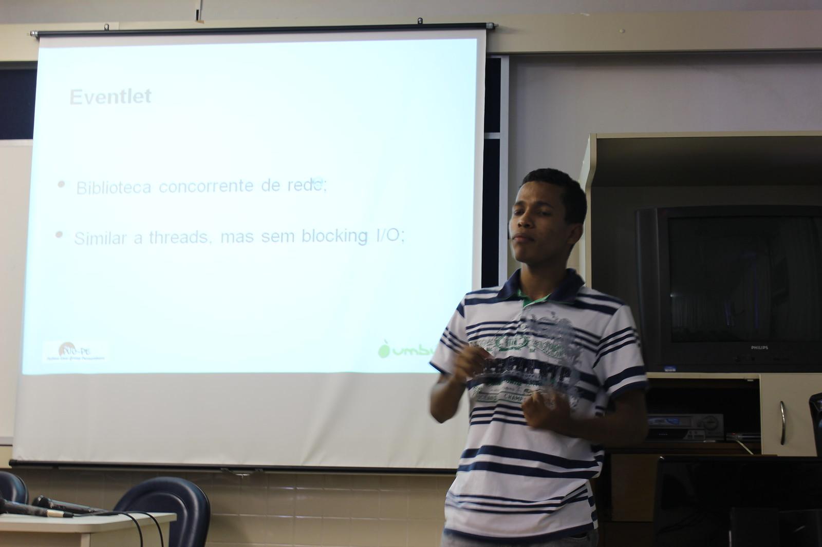 Nielson apresentando o projeto SOAR