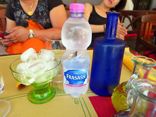 bottled water €1.50 & acqua del rubinetto