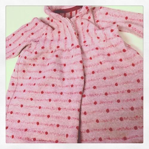 今日のAmiでは、ベビードレスを作ってみました。成長著しい赤ちゃんにママさんもオタオタです(^^;;