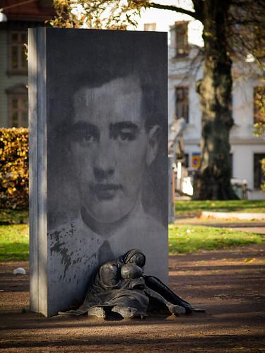 304/366 - Raoul Wallenberg Memorial by Flubie