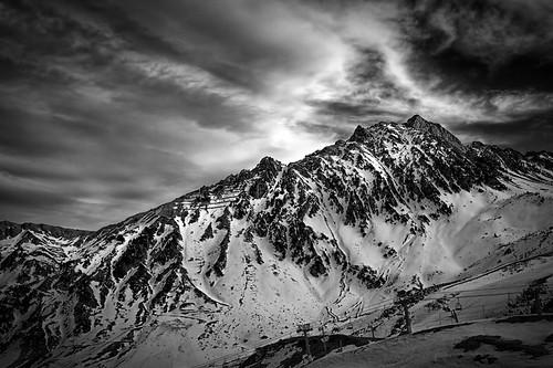 8350839898_0489d82737 Amazing Mountain photos - A Jagged Mountain