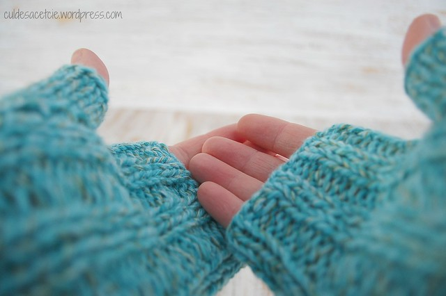 one cable mitts fingerless