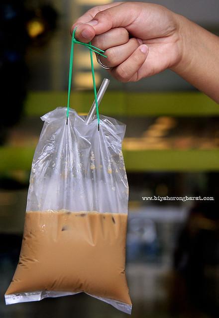 Kopi in a plastic bag Singapore drinks