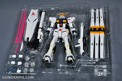 Robot Damashii Nu Gundam & Full Extension Set Review (12)