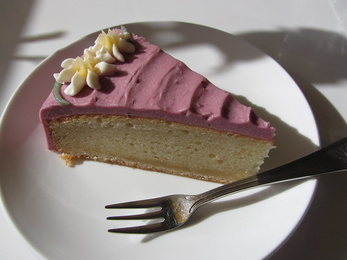raspberry cake at the loving hut