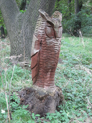 Owl, Linthorpe Cemetery, Middlesbrough.