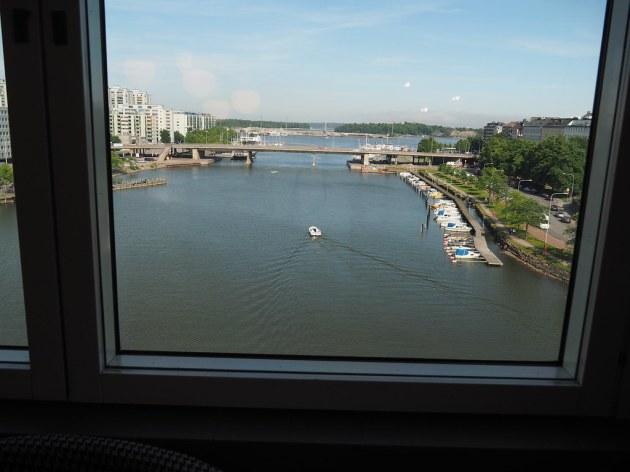 ヒルトン・ヘルシンキ・ストランドのラウンジ窓からの眺め