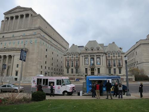 Food Trucks at St. Louis University - Popular Lunch Destination