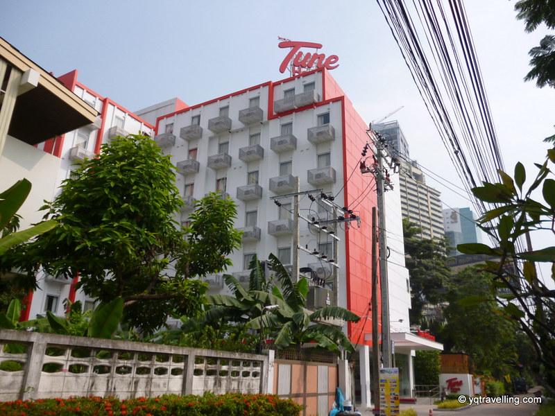 Facade of Tune Hotel Asoke