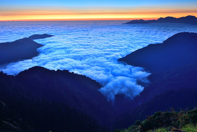 You can touch clouds..? Mt. Hehuan 合歡山