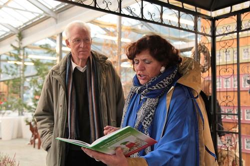 Martina Radinger liest und erzählt aus ihrem ersten Buch .
