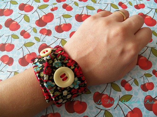bracelete em tecido - por https://lepetitatelierdebabi.wordpress.com/