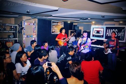 Watching the Wheels at Amos Cafe - Nov. 23, 2012