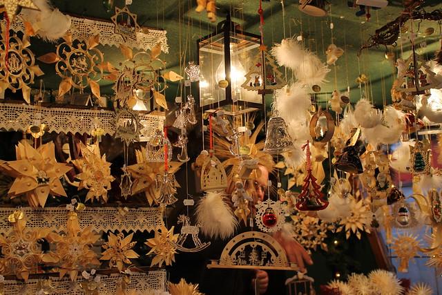 Project 52 2012 #49: Wooden Decorations, Christmas Market in Regensburg / Décorations en bois, Marché de Noël à Ratisbonne
