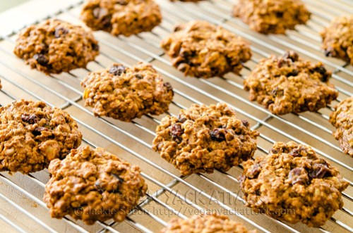 Not only are these persimmon oatmeal cookies addictive, they're extremely easy to make. When Persimmons are in season take advantage!