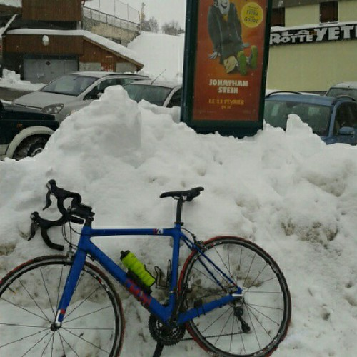 Just back from a very snowy #cycle up #alpedhuez. It started snowing half way up by MoreThan21Bends