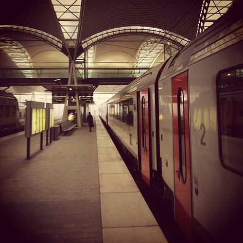 De trein is er. Van pendelaars geen spoor (pun intended)