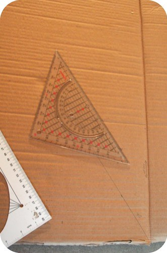 How to make a cardboard Christmas tree / Hoe maak je een kerstboom van karton