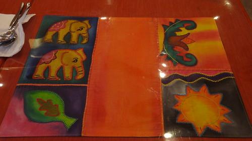 具有童趣的手工刺繡桌墊3