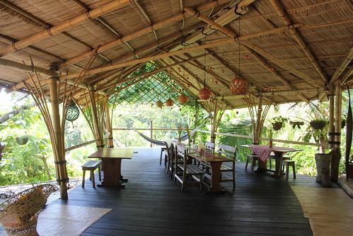 La estancia común y restaurante de Finca Exótica