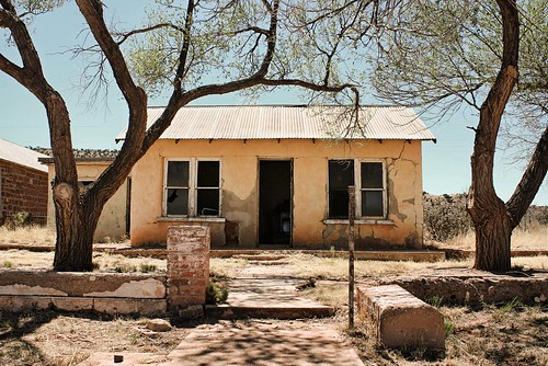 Abandoned home in  Cuervo, NM, USA. Route 66. COpyright Jen Baker/Liberty Images; all rights reserved.