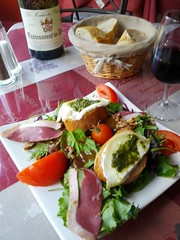 Lunch in Chateauneuf-du-Pape