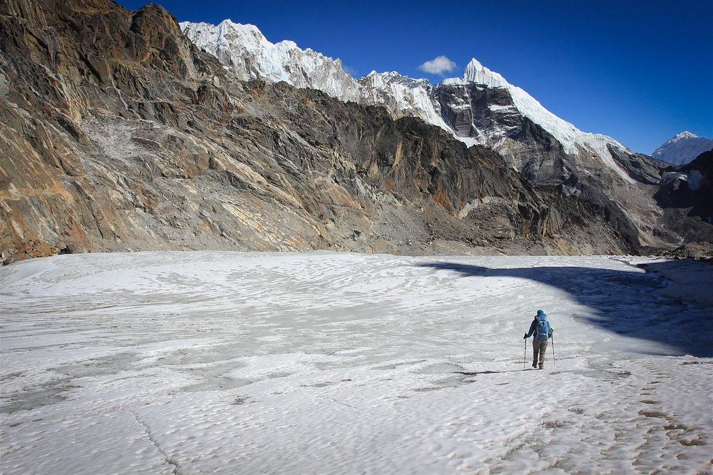 Descending from the glaciated Cho La pass (5420m) towards Everest base camp.