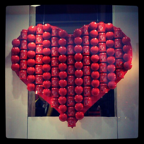 I Hediard Paris! Hediard is already commercializing on Valentine's day. #Paris #Hediard #heart