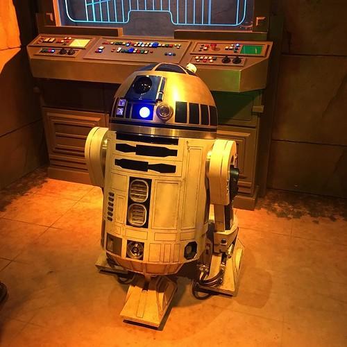 R2-D2さん。