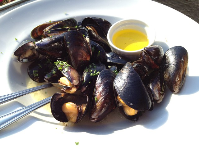 Traditional Puget Sound mussels - Anthony's HomePort