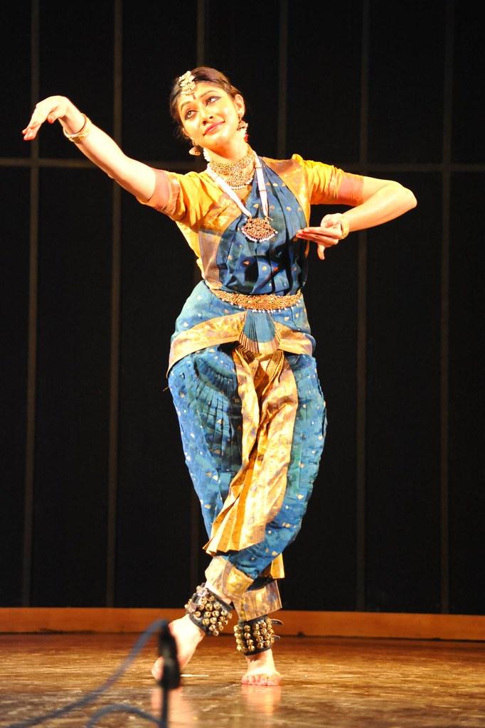 Bharatanatyam - Dakshina Vaidyanathan @ Vande Nrityam - Ganesha Natyalaya