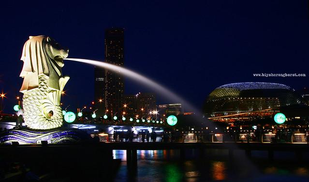 Merlion Park & Esplanade Singapore