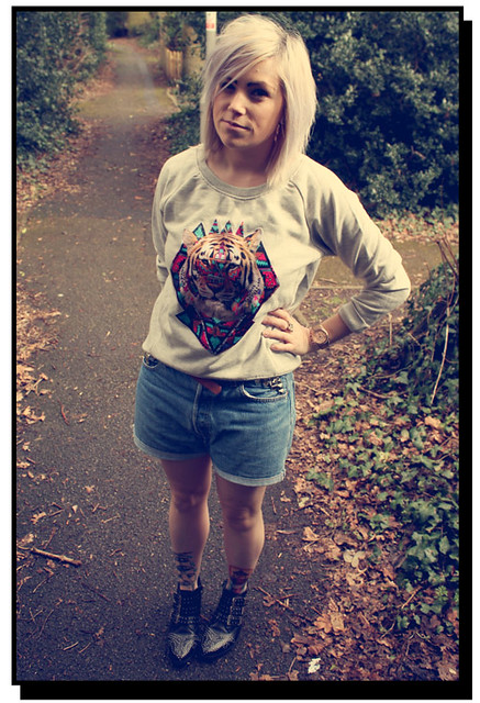 Tiger jumper outfit post