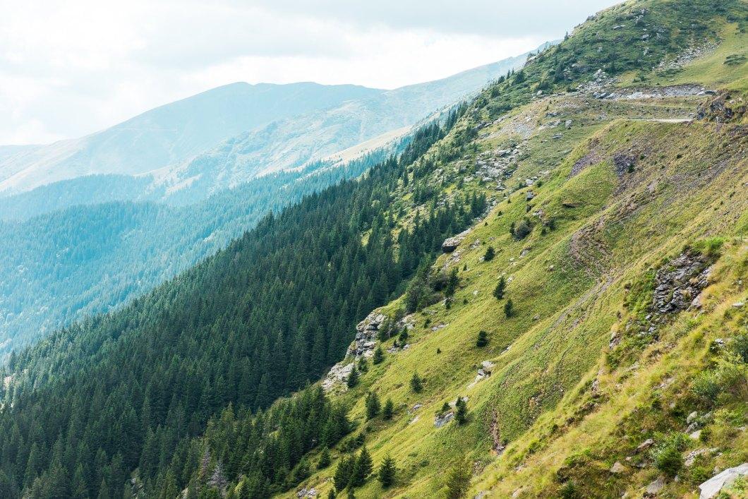 Imagen gratis de unas bonitas montañas en Rumania