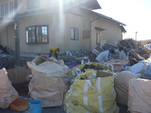 南相馬市小高区でお手伝い(援人, 2013年2月9日・10日) Volunteer work at Minamisoma city, Fukushima pref. Affrected by the Tsunami of Japan Earthquake and Fukushima Daiichi nuclear plant accident.