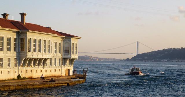 Turquie - jour 3 - Istanbul - 89 - Sur le Bosphore de Beşiktaş à Beşiktaş - Kandilli