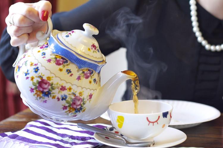 Dotcomvintage teapot