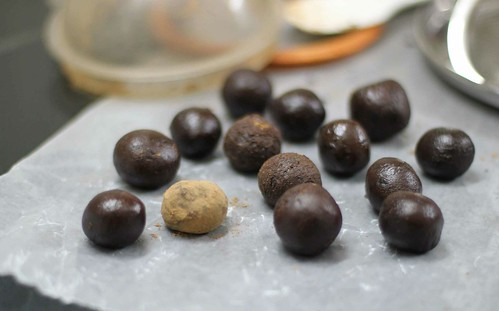Coating in chocolate