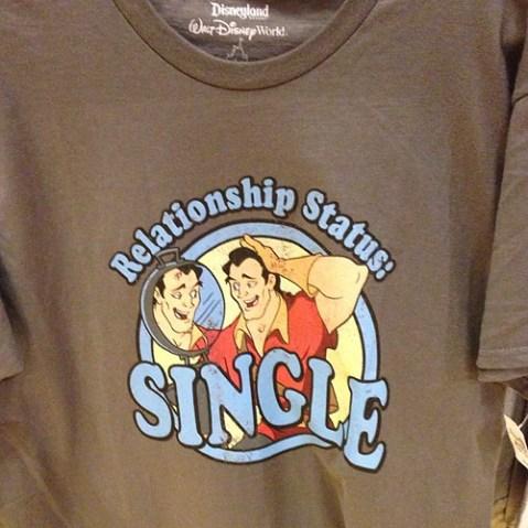 Facebook的Tシャツ。