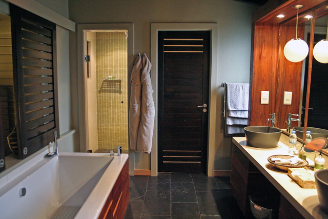 bathroom at Nyungwe Forest Lodge