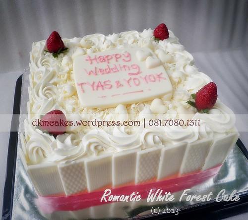 DKMCakes, kue ulang tahun jember, pesan blackforest jember, pesan cake jember, pesan cupcake jember, pesan kue nampan jember, pesan kue ulang tahun anak jember, pesan kue ulang tahun jember, wedding cake jember