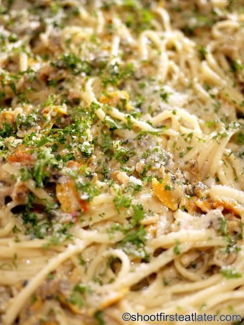 Bizu Private Caterer- linguine with clams in aglio olio