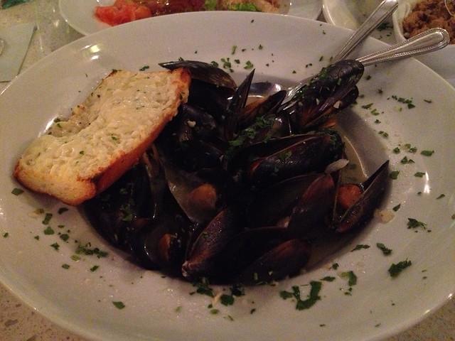 Black mussels - Lulu California Bistro