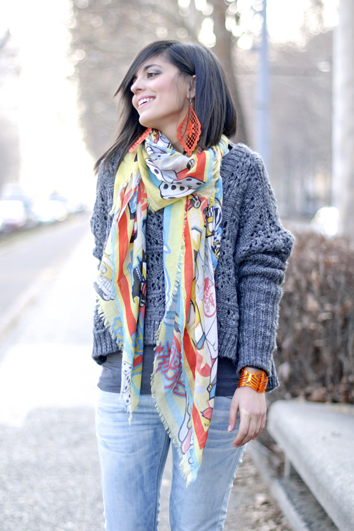 The cartoon scarf