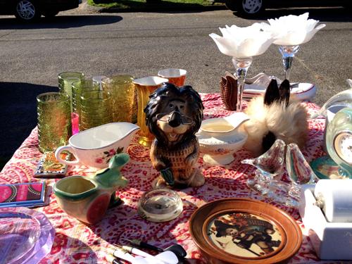 Table o' vintage crapola