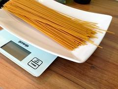 ...medtem pripravimo špagete...