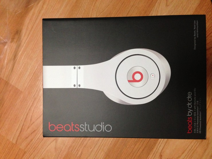 beats Studio by dr.dre box