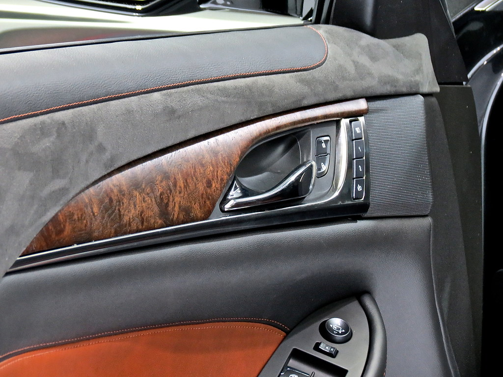 2014 Cadillac CTS wood trim