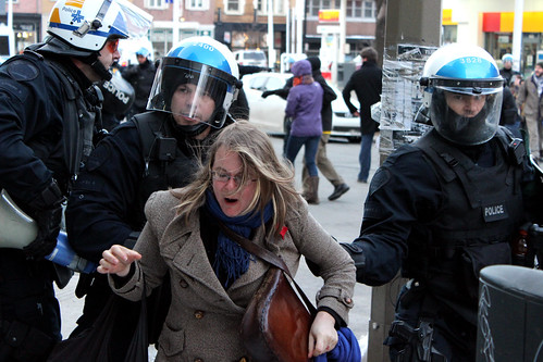 2013-02-22 - Souricière à la #manifencours #22mars PQ-PLQ